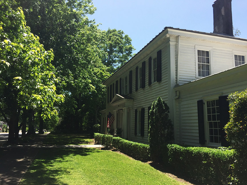 historic antebellum house in Greensboro, GA