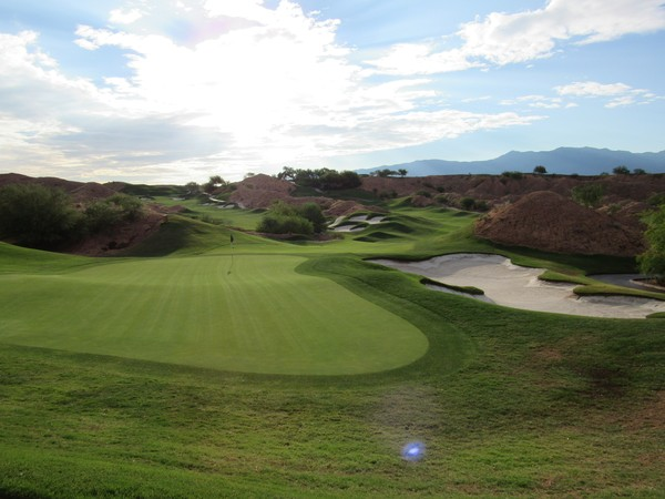 Wolf Creek Golf Club Mesquite Nevada. Hole 6 Green-side