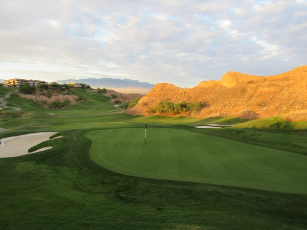 Wolf Creek Golf Club Mesquite Nevada. Hole 1; looking back Green-side