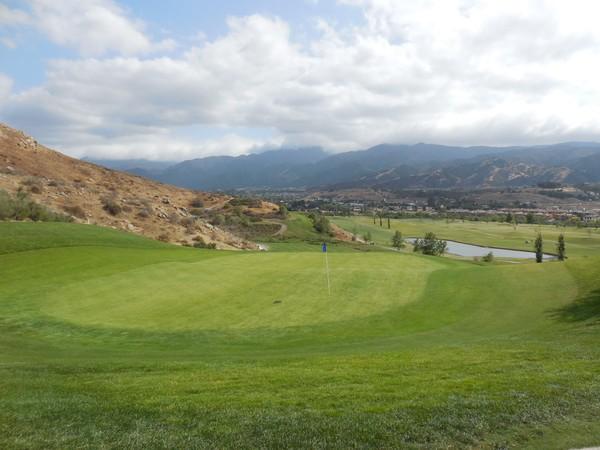 Dos Lagos Golf Club Corona, California. Hole 16
