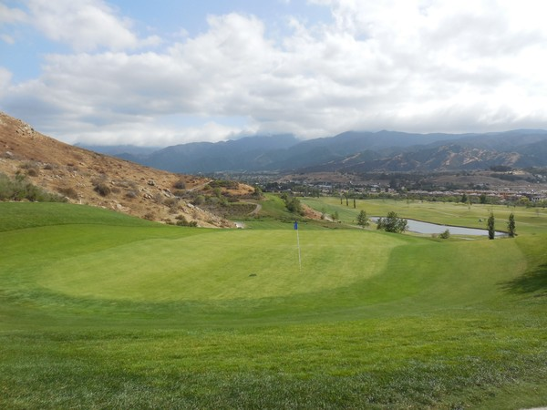 Dos Lagos Golf Club Corona California Hole 16 Green-side