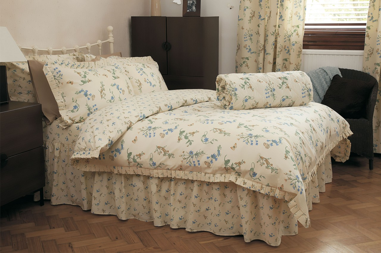 Periwinkle Bedding Set By Belledorm
