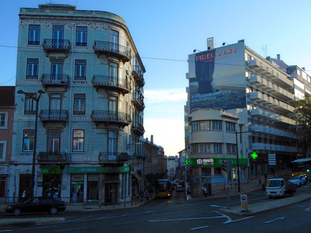 Einer der ersten Momente im Largo do Rato in Lissabon, nachdem ich den Underground der Metro- Station 'Rato' verließ.