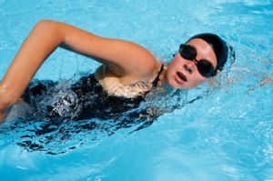 Doing swimming drills is an important part of triathlon training.