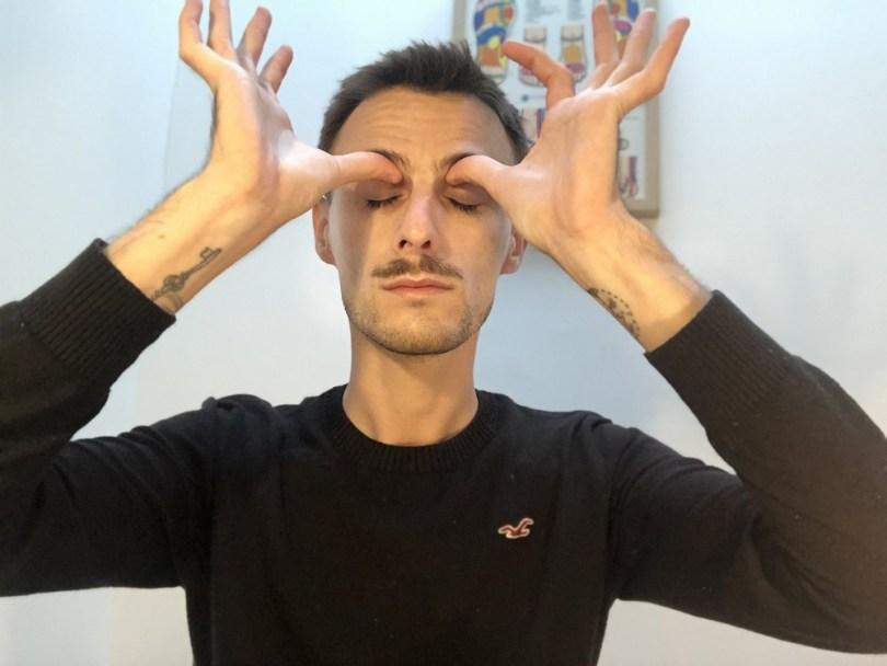 auto-massage migraines