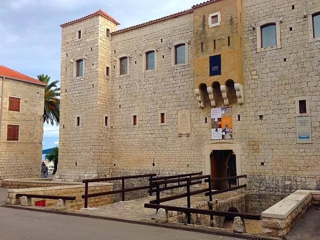Castle and museum, Kastela Luksic