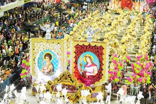 Sincretismo religioso no desfile da Mangueira. (Foto: Raphael David | Riotur )