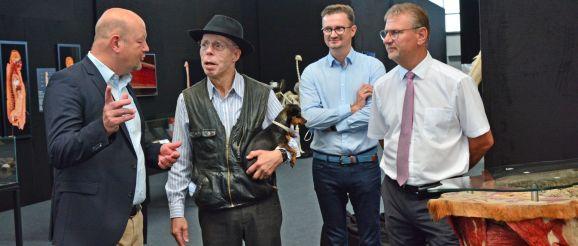 """Drei Greizer Lions eröffnen mit Dr. Gunther von Hagens """"Greizer Körperwelten"""""""