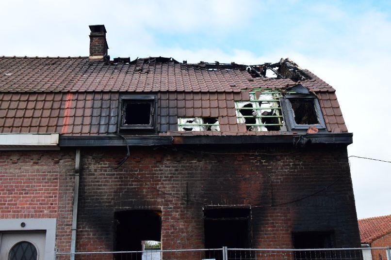 Woning volledig uitgebrand in Rekkem