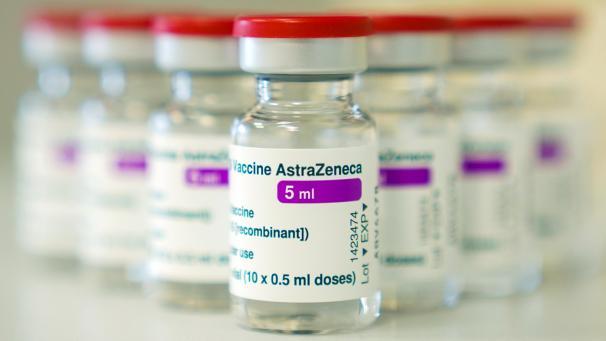 https www grenzecho net 51818 artikel 2021 03 12 belgien impft weiter mit astrazeneca kein risiko