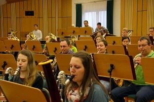 Die Mitarbeit und Konzentration der Musikerinnen und Musiker konnte man richtig spüren.