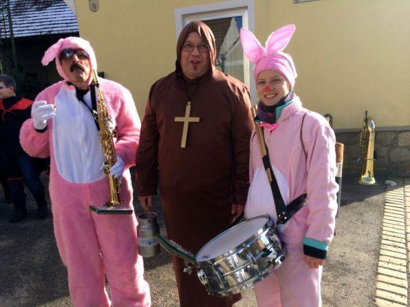 Duracell-Häschen oder rosa Schweinchen??