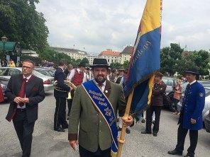 Den Marsch vom Ballhausplatz zum Parlament führte unsere Fahne als Einzige an. :)