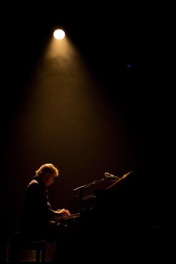 Barry Walsh, piano & accordion De La Warr Pavilion, Bexhill-On-Sea photo by Rebecca Kemp