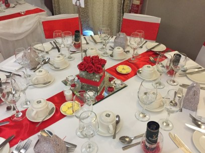 Red and white wedding table