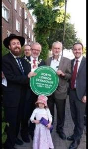 Jeremy Corbyn à la synagogue de Londres Nord.