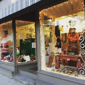The new window display at Kit & Kaboodle, gearing up for the holiday season; photo courtesy Kit & Kaboodle via Facebook.
