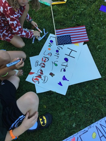 People of all ages, including a good number of creative children, joined the Williamstown happening August 14, 2017; photo by Jason Velázquez