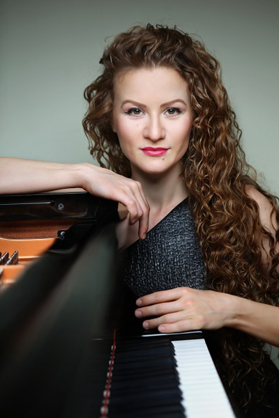Pianist Asiya Korepanova; photo by Emil Matveev
