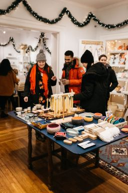 Hudson River Exchange Popup holiday market; photo by Jenn Morse.