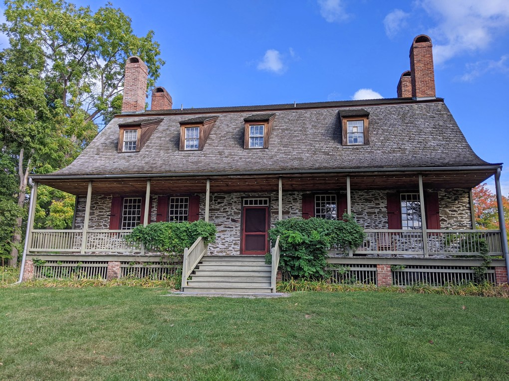 Photo of the manor house at Mount Gulian, which was a headquarters for the Continental army during the Revolutionary War,