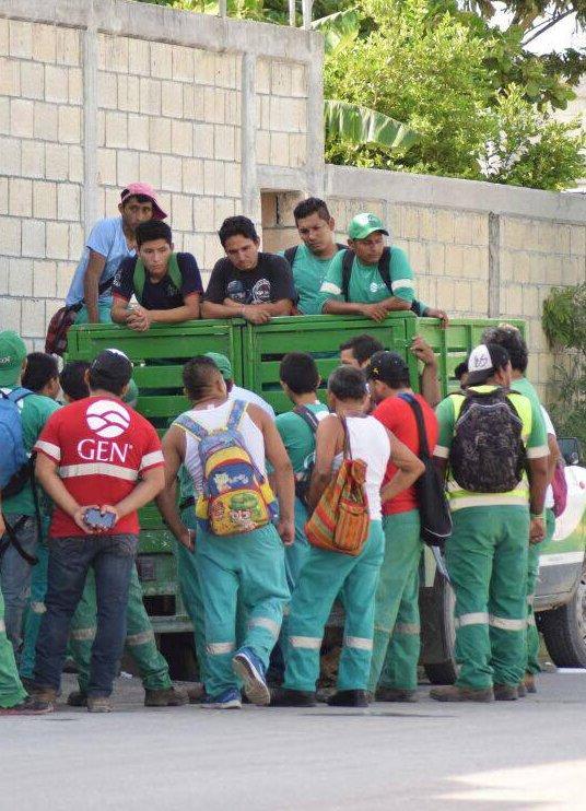 foto-1-a-6-los-tres-empleados-de-pasa-que-protestaron-irregularidades-fueron-despedidos-sin-liquidacioneditada