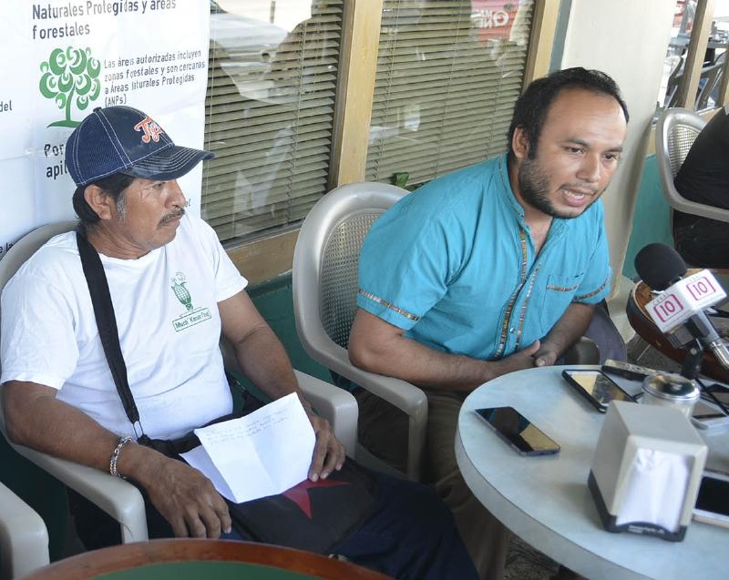 GNNAC SOYA TRANSGENICA 130916 -- El Consejo Regional indígena de Bacalar y el colectivo de semillas nativas Much Kanan I´I Naj se pronunciaron en contra de la siembra de soya transgénica en las mas de cien comunidades mayas de la península de Yucatán, pues aparentemente la empresa Monsanto encargada de este proyecto se encuentra violentando los derechos de los indígenas.