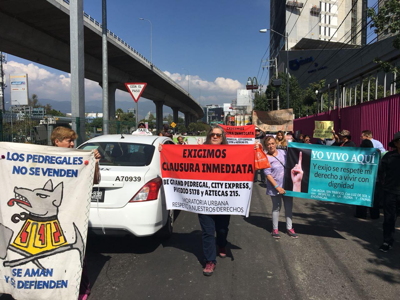 Ante los oídos sordos del delegado de Coyoacán, vecinos realizan clausura ciudadana de tres megaconstrucciones (Ciudad de México)