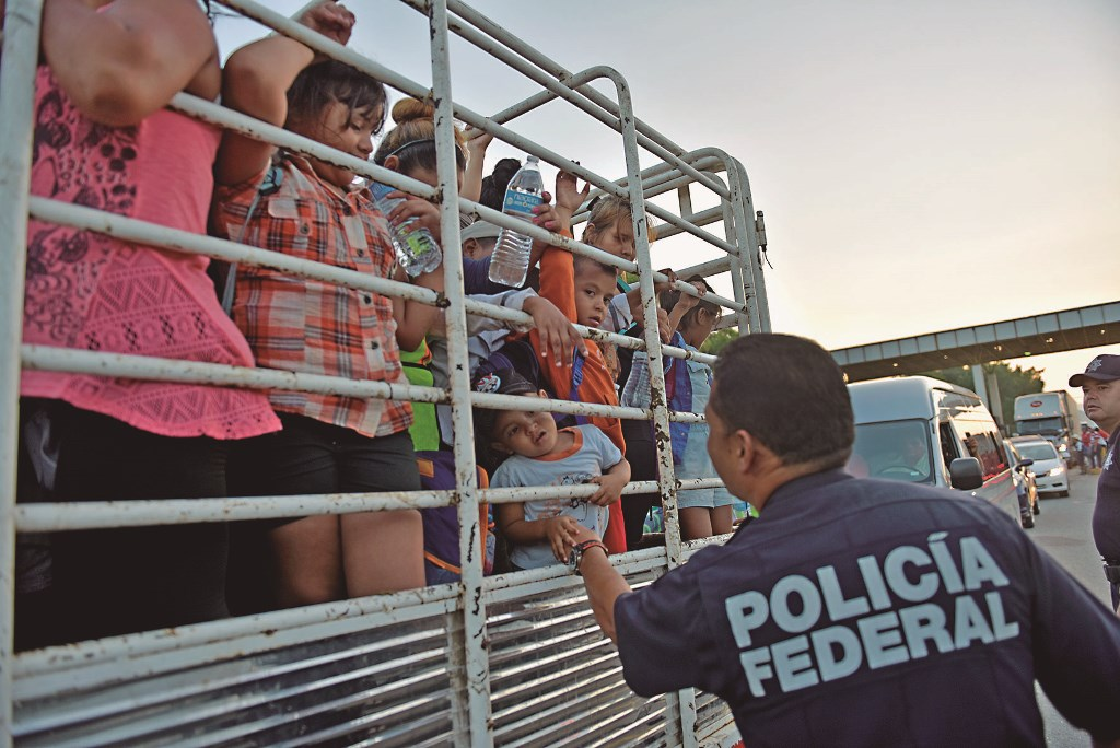 """La Guardia Nacional también actuará como """"migra"""""""