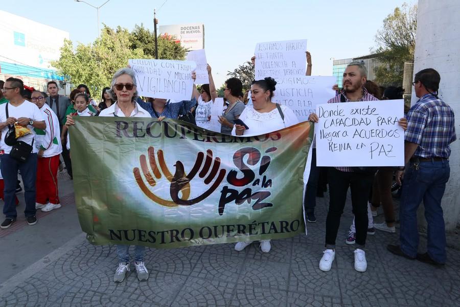 Marchan por la seguridad en capital (Querétaro)