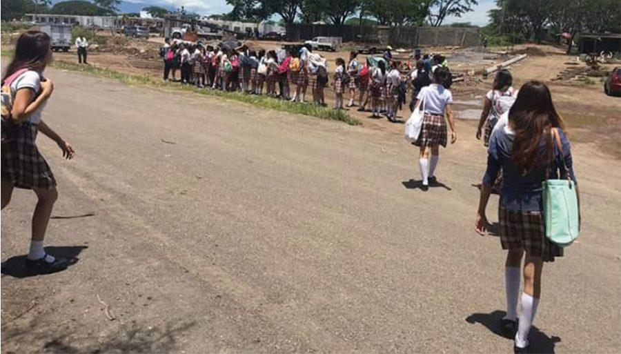 Cada año 700 maestros sin empleo en Colima