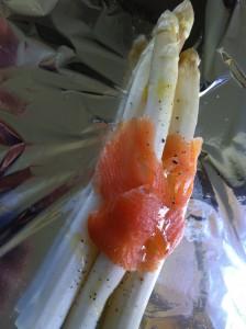 Weißer Spargel mit Lachs