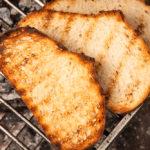 Brot-Grill-Beilage (Quelle: Beat Bieler / Shutterstock.com)