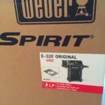 Weber Spirit E-320 im Karton