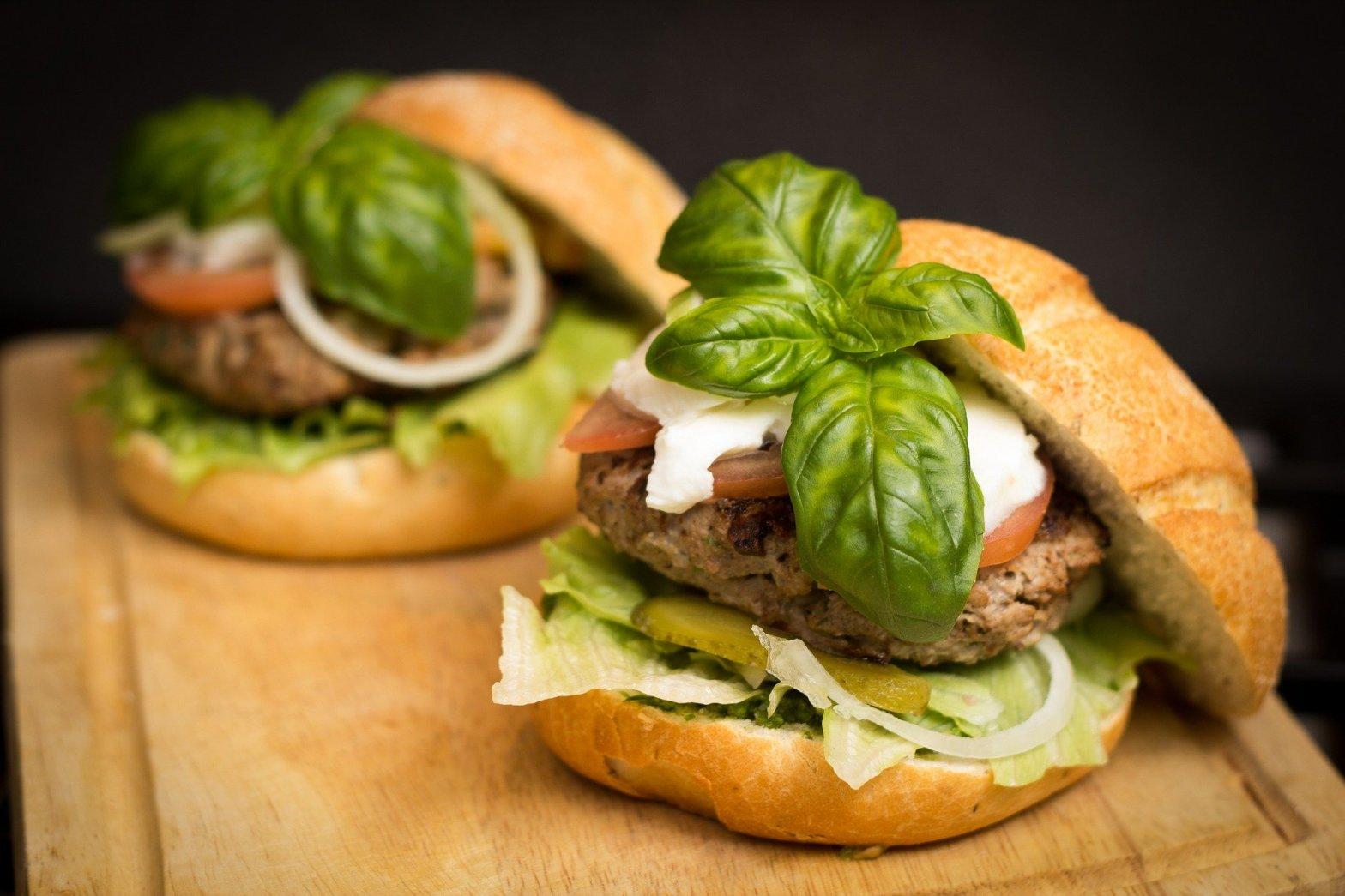 Burger Patties im Hamburger Bild