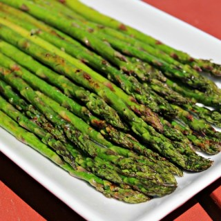 Lemon and Garlic Grilled Asparagus