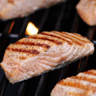 Salmon on the grill - sq