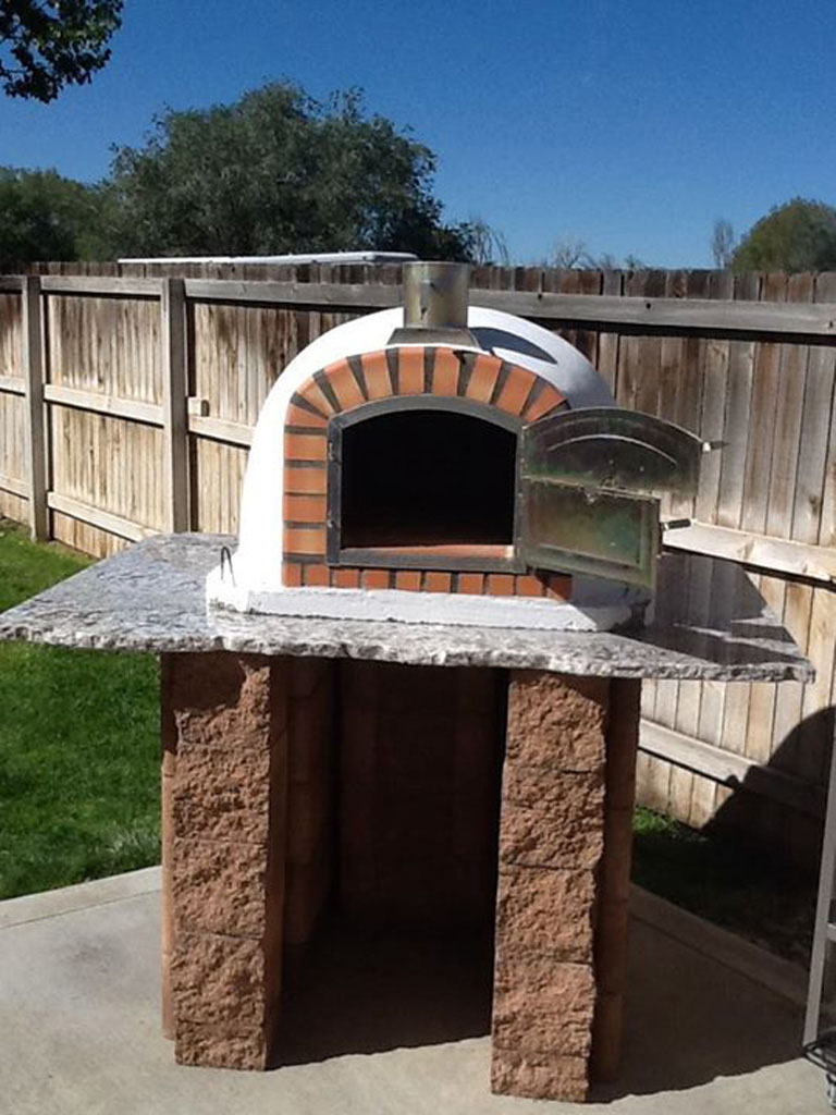 Outdoor Pizza Oven Pictures on Outdoor Patio With Pizza Oven  id=77576