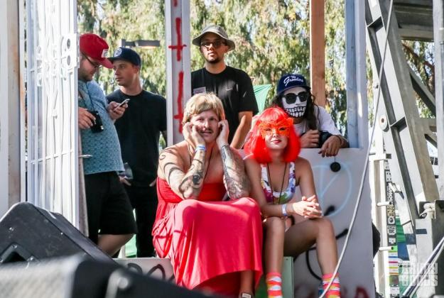 beach goth 3 photos