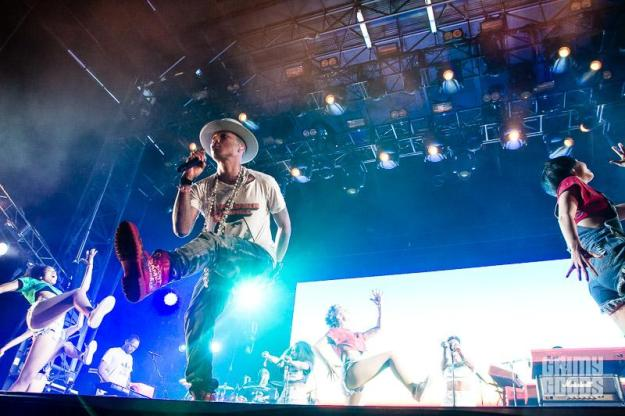 Pharrell camp flog gnaw photos