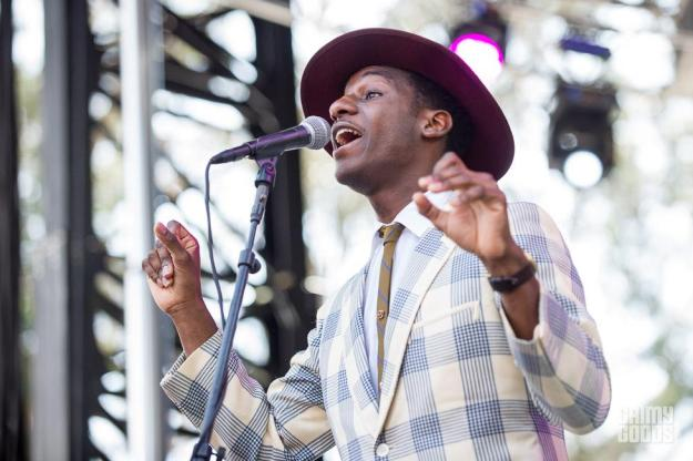 Leon Bridges outside lands