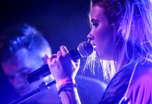 Broods-live-photos18
