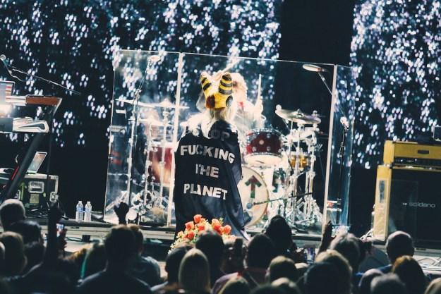 Blondie at Santa Barbara Bowl -- Photo by Steven Ward for GrimyGoods.com