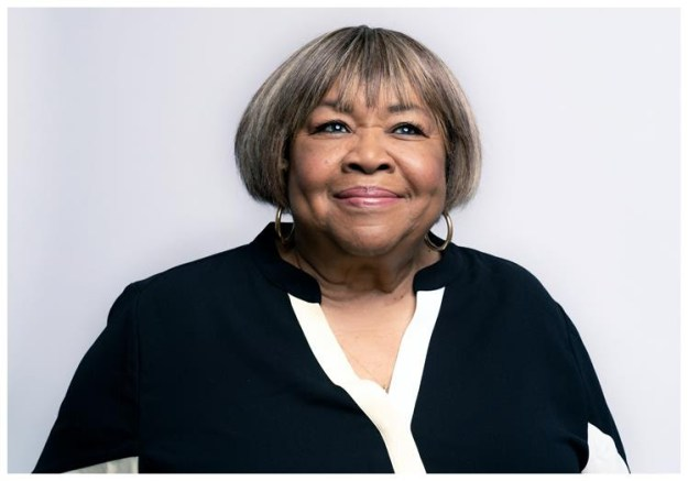 """Mavis Staples Shares New Mix of Powerful Single """"One More Change"""""""