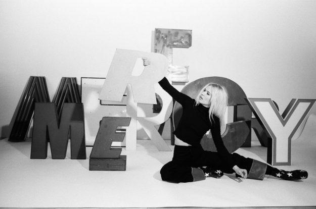 """Natalie Bergman finds renewal on her debut album """"Mercy"""""""