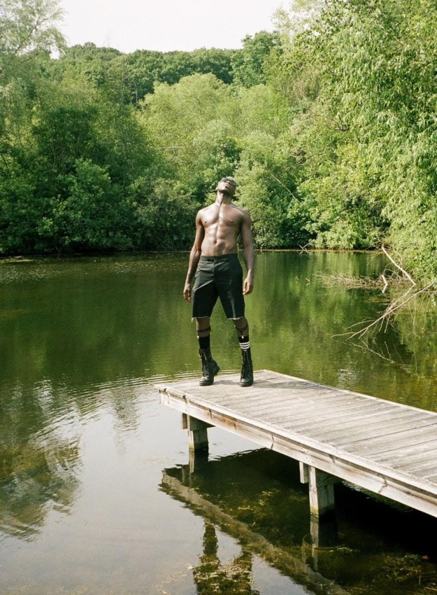 """Moses Sumney Drops New Cover of T-Pain's """"Can't Believe It"""" and Announces New Label"""