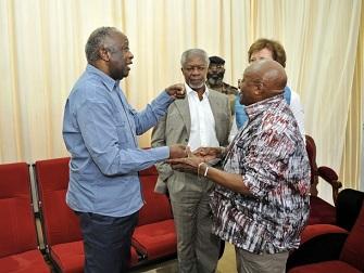 Kofi Annan, Laurent Gbagbo avec Desmond Tutu ce lundi à Korhogo