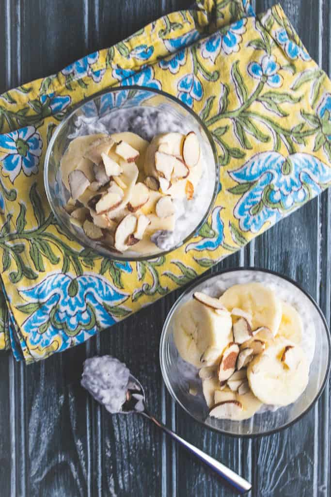 banana almond chia pudding