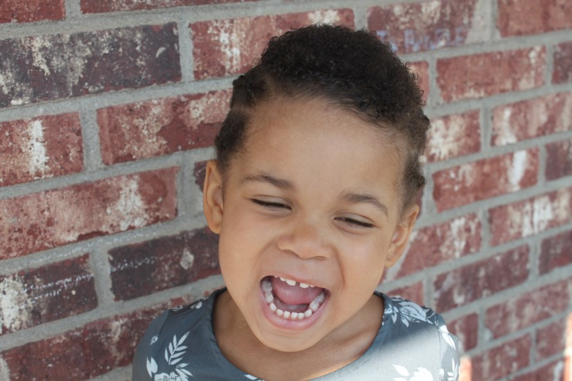 5 Ways To Instill Confidence Into Your Kids // www.gritsngrace.com