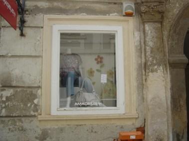 Kameni okviri prozora - Varaždin (1)
